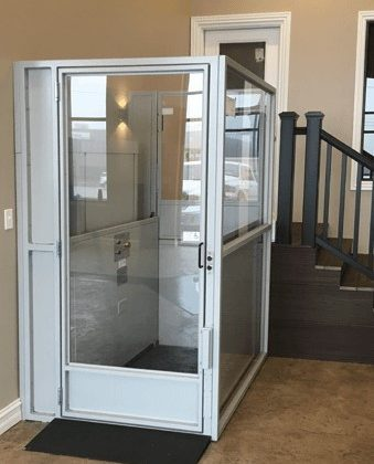 Enclosed wheelchair lift, chair lift